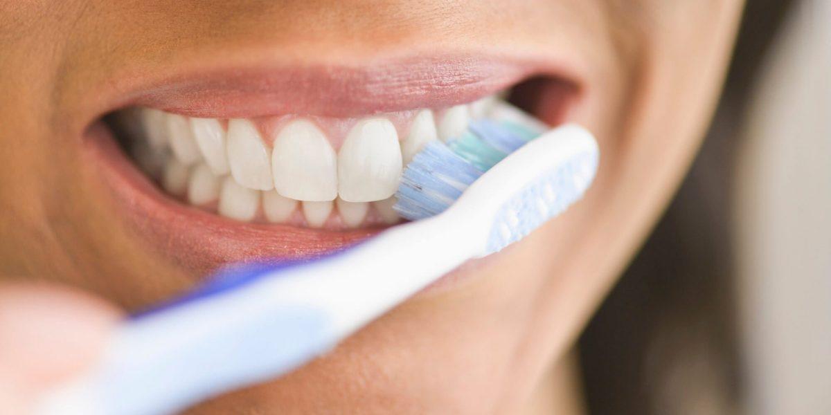 Garantía de Clínica - Dentista de Confianza - Cepillado de Dientes