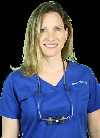 Dra. Teresa Brotons - Dres. Pampols y Brotons - Garantía de Clínica - Dentista de Confianza en Majadahonda