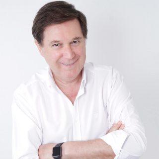 Dr. Agustín Cabello - Clínica Clidecem