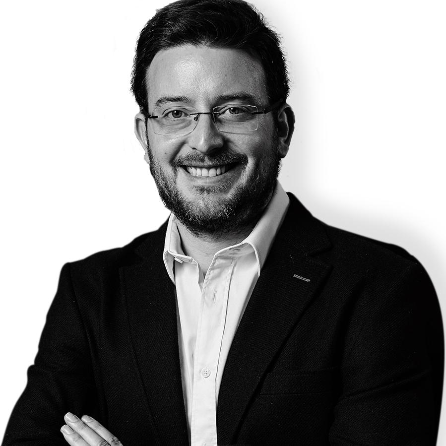 Dr. Pedro Pablo Martinez - Odontologo en Clínica Vermont
