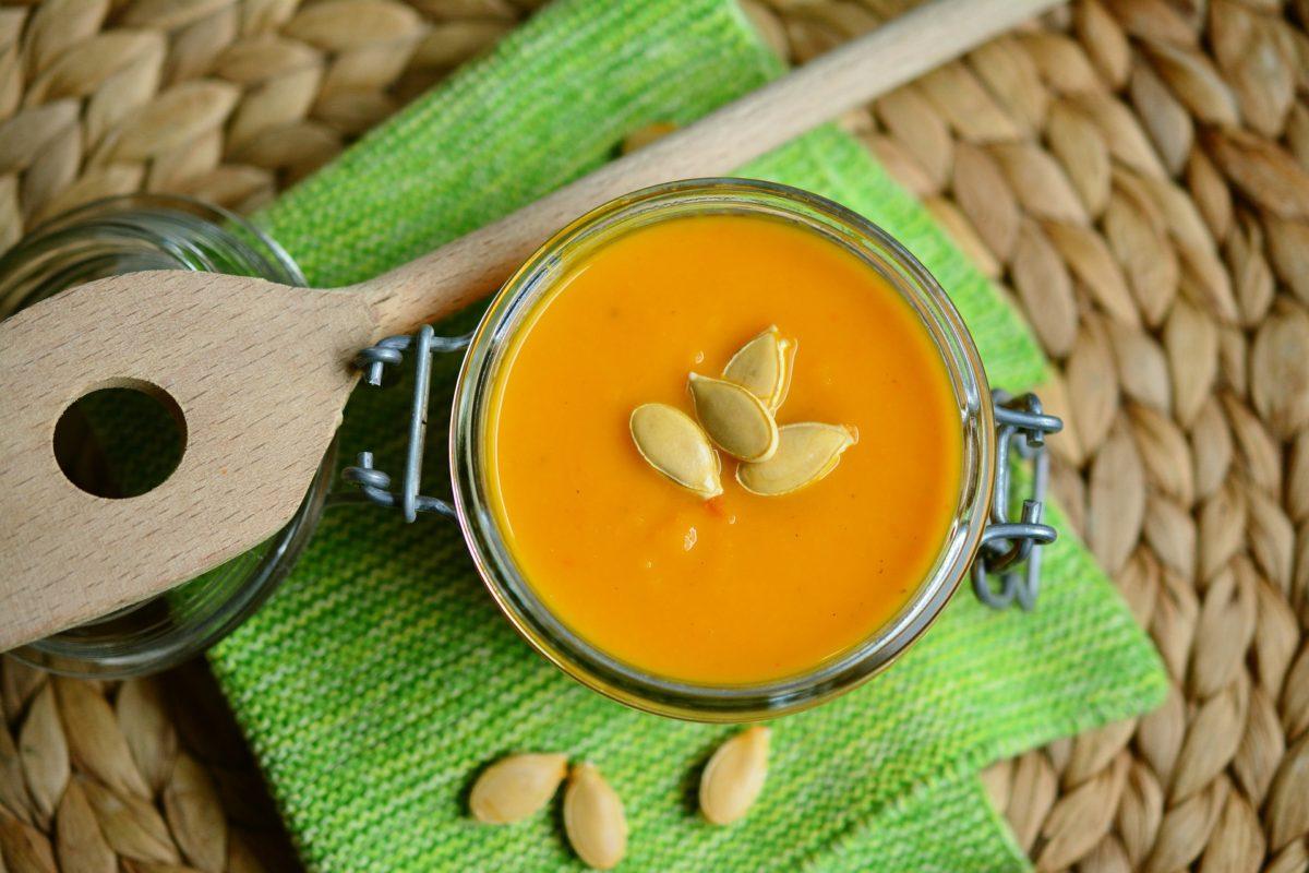 pumpkin-soup-2972858_1920-1200x800.jpg